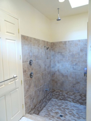 Ginormous walk-in, tile shower!