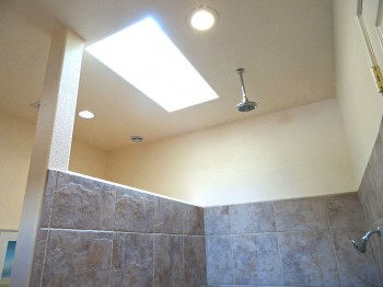 Amazing light from the skylight, amazing shower from the dual shower nozzles!