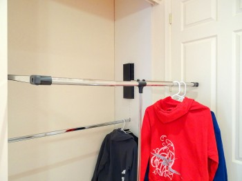 Easy-to-use pull-down closet racks